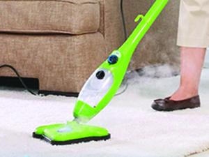 Steam cleaning a deep white carpet